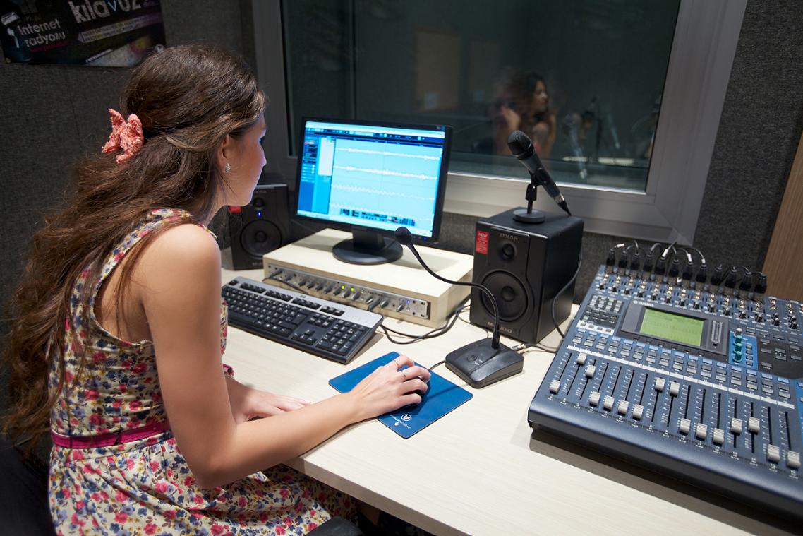 Ses Kayıt Stüdyosu | Yaşar Üniversitesi | Medya Merkezi: medyamerkezi.yasar.edu.tr/ses-kayit-studyosu